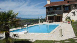 la maison en location et sa piscine
